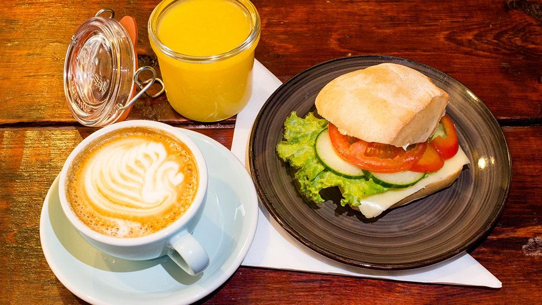 Frukost i Göteborg, Avenyn. Fralla, Färskpressad juice, kaffe