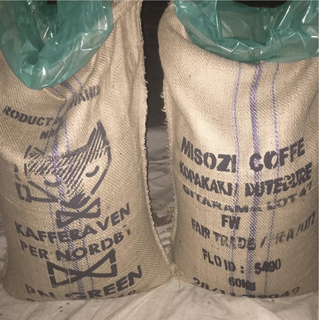 Kaffesäckar till Kafferäven Per Nordby. Bild från instagram @kopakakidutegure